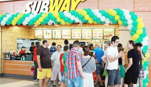 Subway deschide la Piteşti primul restaurant Fresh Forward Decor 5