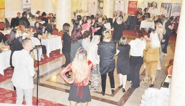 """Seara în care femeile au fost """"fruncea"""" la Piteşti 3"""