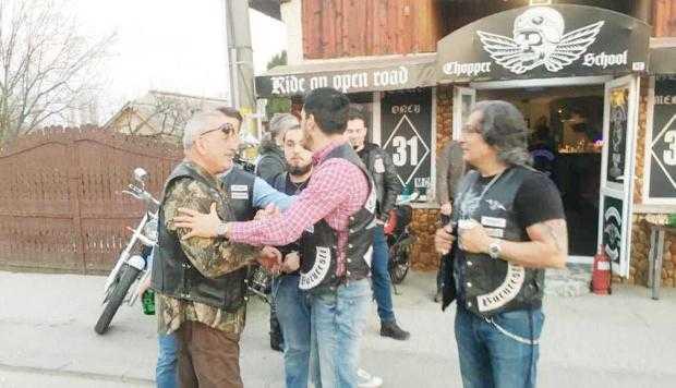 Club de motociclişti la Topoloveni. Primarul Boţârcă, membru de onoare 5