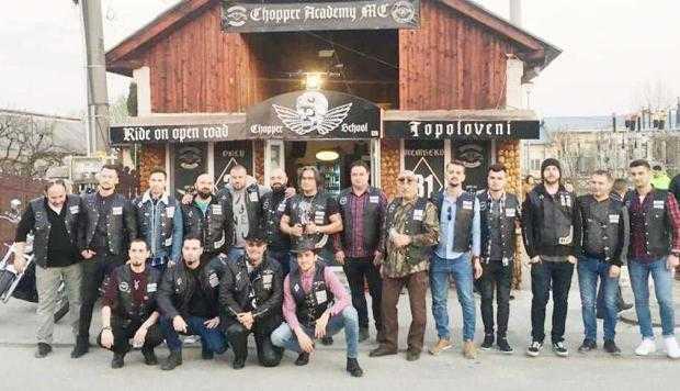 Club de motociclişti la Topoloveni. Primarul Boţârcă, membru de onoare 6