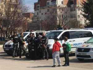 FOTO Ziua Poliției, sărbătorită cu paradă motorizată la Mioveni 7