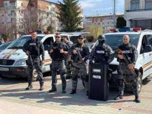 FOTO Ziua Poliției, sărbătorită cu paradă motorizată la Mioveni 10