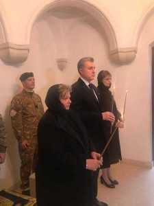 Regele Carol al II-lea a fost scos din cripta de lângă Mănăstirea Curtea de Argeș. Astăzi este depus în noua necropolă regală 7