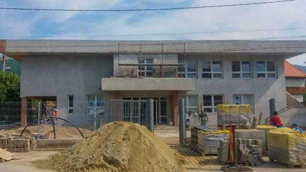 presshub.ro: O școală construită de la zero la Hațeg, una modernizată la Petroșani, o grădiniță nouă la Baru – PressHub 4