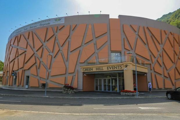 presshub.ro: Nunțile și botezurile salvează Centrul Expozițional de 12 milioane de euro din Călimănești – PressHub 5
