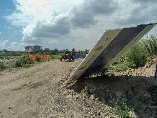 presshub.ro: Parcarea pentru TIR-uri construită pe bani europeni în Galați a ajuns cimitir pentru rable – PressHub 5
