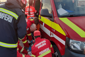 ACUM! Argeşeancă dusă la spital după ce a fost lovită de maşină 4