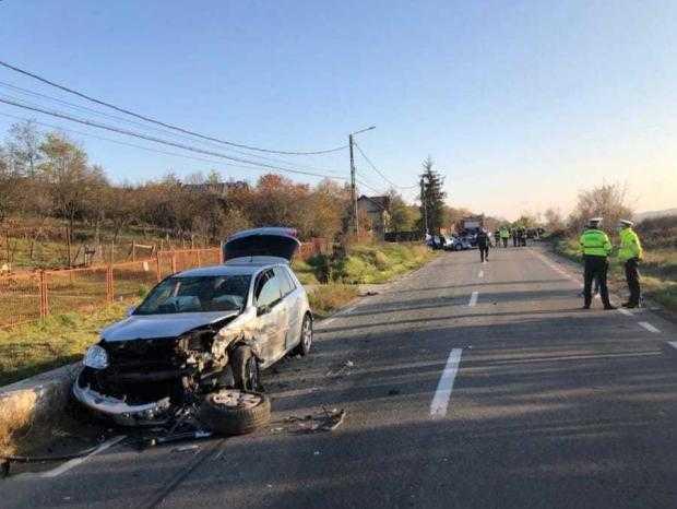 Băiculești: Accident rutier soldat cu două victime și patru mașini avariate 6
