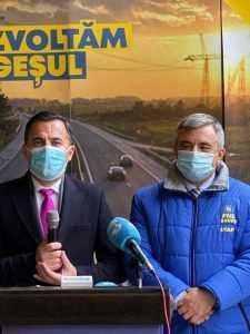 Ministrul Lucrărilor Publice, Dezvoltării și Administrației, Ion Ștefan și președintele PNL Argeș Adrian Miuțescu