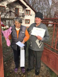 Familie premiată la Mioveni pentru împlinirea a 50 de ani de căsnicie