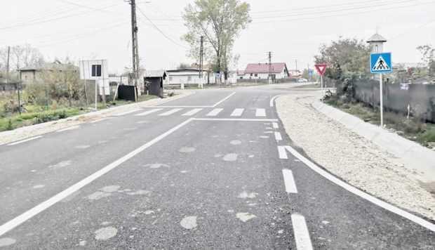 S-a încheiat modernizarea drumului judeţean DJ 703 B Şerbăneşti - Siliştea! 6