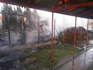 Trei autospeciale au intervenit la incendiul din comuna Ștefan cel Mare 2