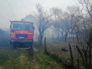 Incendiu la o casă din Popești. Proprietarii au fost anunțați de către vecini 8