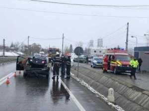 O femeie a ajuns la spital în urma accidentului de la Mihăești 4