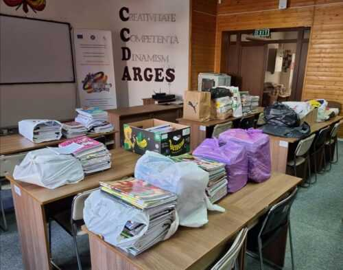 Inspectoratul Școlar Județean Argeș și Casa Corpului Didactic, ajutor pentru realizarea mozaicului din caiete reciclabile, de la Câmpulung 5