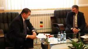 """Ministrul Dezvoltării: """"Am semnat contractul de finanțare pentru construirea noului cămin studențesc al Universității din Pitești 6"""