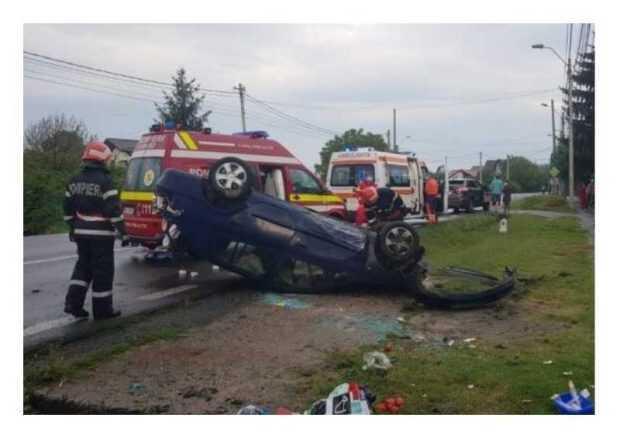 Pitești: Mașină răsturnată în Bascov 5