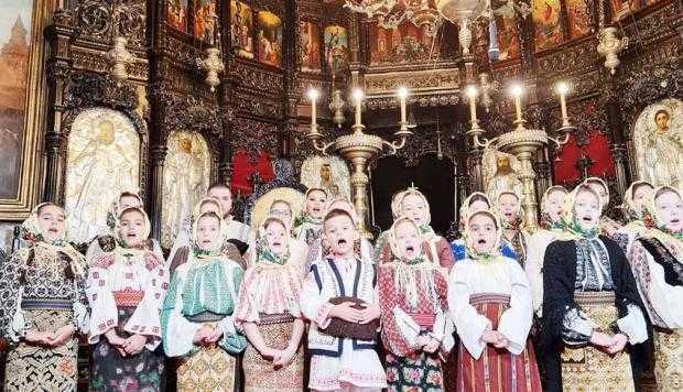 """Clasa de canto prof. Georgiana Gavrilă, la Biserica """"Sf. Gheorghe"""" din Piteşti"""