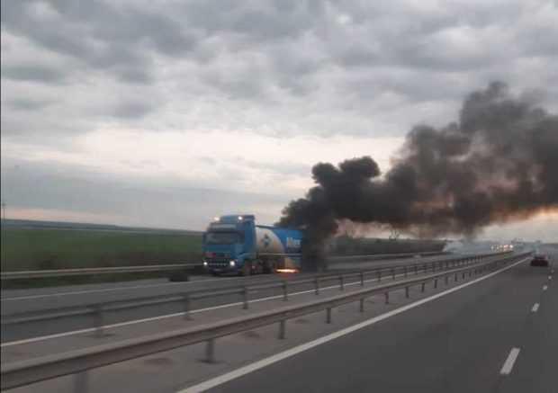 Cisternă în flăcări pe autostrada București - Pitești 5
