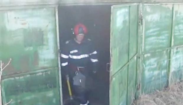 Într-unul dintre  garajele ilegale  din Câmpulung a izbucnit  un incendiu