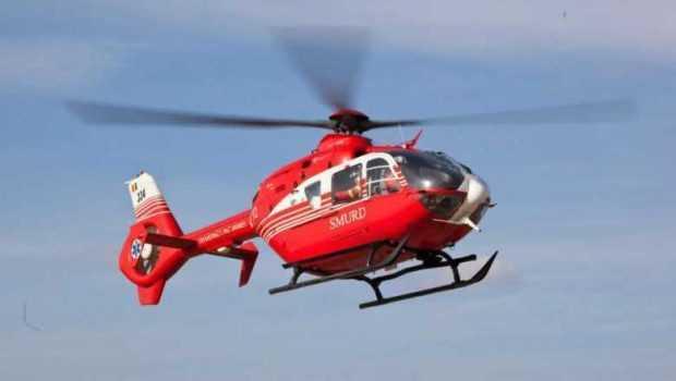 Bebeluș de trei zile, preluat cu elicopterul SMURD de la stadionul din Trivale 4