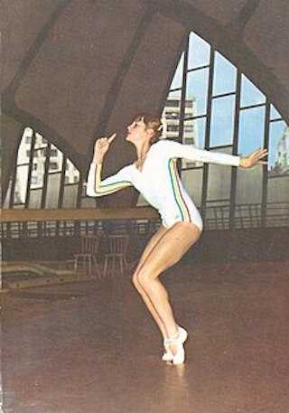 Nadia_Comaneci_tripla_campioana_olimpica